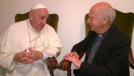 le-pape-francois-mgr-jacques-gaillot-vatican-mardi-1er-septembre-2015-photo-prise-avec-portable-p-daniel-duigou_0_1400_338