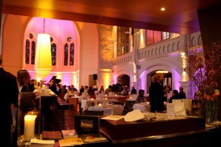 Kirchenumwidmung; Glück und Seligkeit